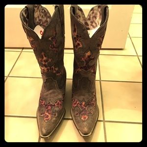 🎉LAREDO AUTHENTIC COWGIRL BOOTS🎉